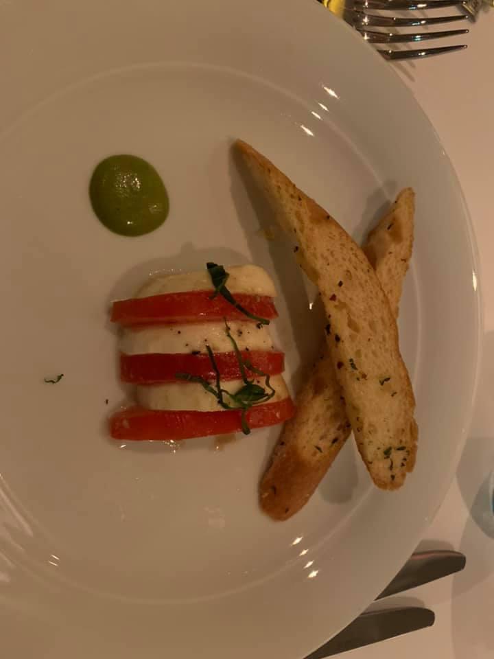 Mozzarella & Plum Tomatoes